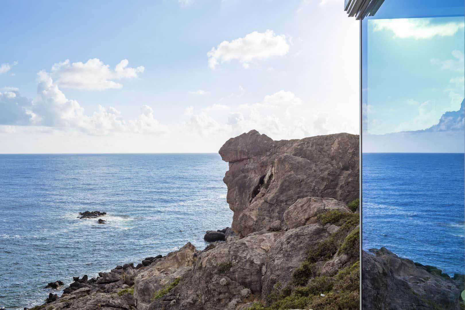 Reflections – villa Hermes