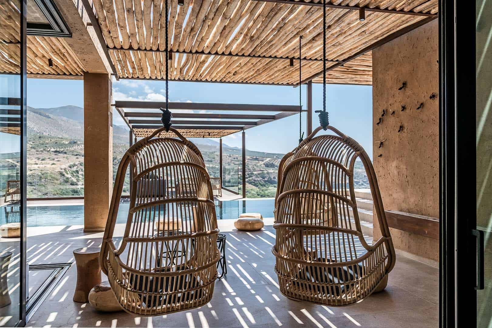Swings, a piece of art - villa San Matteo